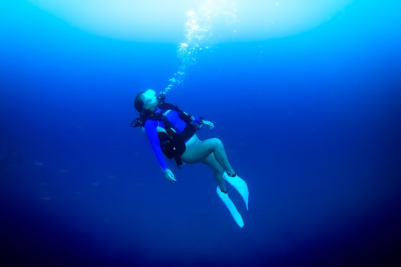 How To Overcome Panic & Anxiety When Scuba Diving: Our Top 11 Tips